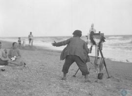 Fotógrafo en la playa de Punta Umbría, Huelva